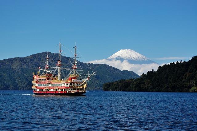 4. จิบชายามบ่ายย่านทะเลสาบอาชิ (Lake Ashi -芦ノ湖)