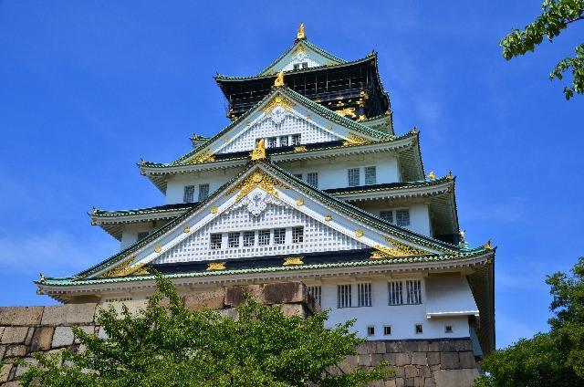 """4. ห้ามพลาด!! """"ปราสาทโอซาก้า""""(Osaka Castle)"""