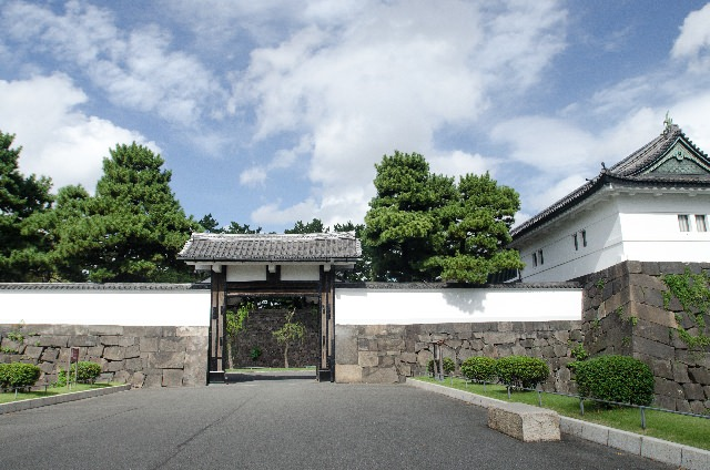 4. โอเอซิสในเมืองหลวง 「พระราชวังโตเกียว」