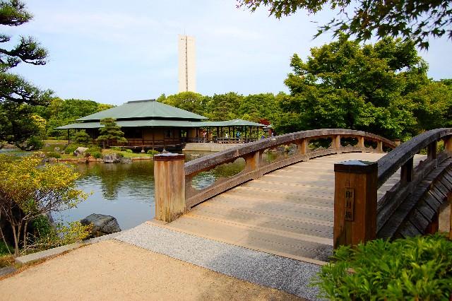 """9. สักการะสุสานของจักรพรรดินินโทคุที่ """"สวนสาธารณะไดเซน"""" (Disen Park)"""