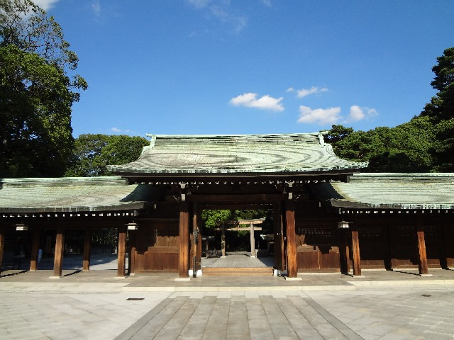 1. สถานที่ที่เป็นเหมือนตัวแทนอันอัดแน่นไปด้วยประวัติศาสตร์ญี่ปุ่น ศาลเจ้าเมจิ (Meiji Shrine)