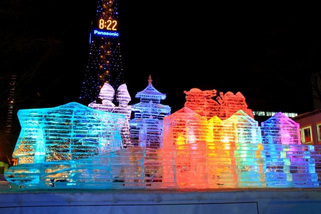"""3.สถานที่จัดงานเทศกาลหิมะยิ่งใหญ่ประจำปี """"สวนสาธารณะโอโดริ""""(Odori Park)"""