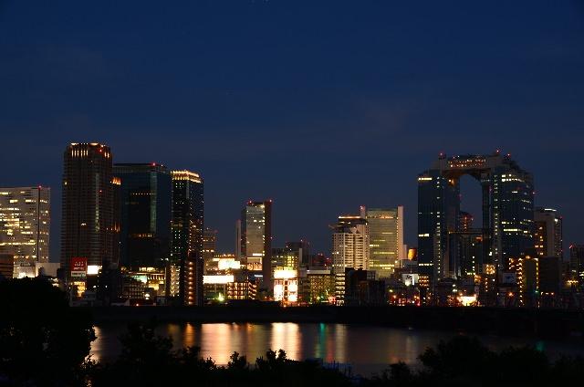"""ถ้าพูดถึงสถานที่ยอดนิยมในโอซาก้าแล้วล่ะก็เป็นที่นี่ """"อุเมะดะ"""""""