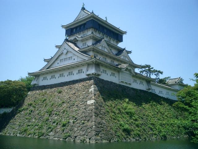 """2. ปราสาท """"Kokura Castle"""" ที่มีทิวทัศน์ที่สวยงาม"""
