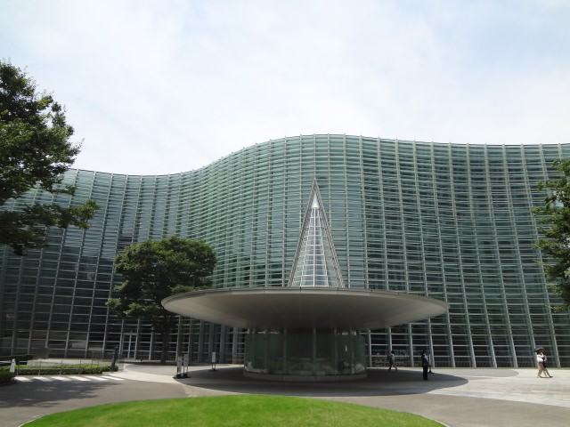 4. The National Art Center, Tokyo (国立新美術館)