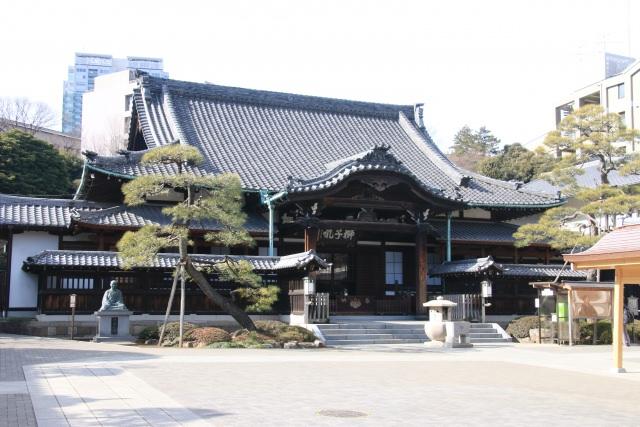 """7. """"วัดเซ็นกะคุจิ"""" สร้างอุทิศบุญกุศลถึงวีรบุรุษของประเทศญี่ปุ่นและคนที่ชอบเรื่องราวประวัติศาสตร์"""